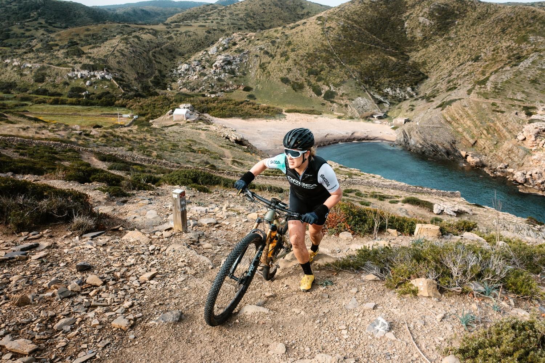 Sandra Jordà durant el repte Camí de Cavalls 360º Non-Stop (Foto: Camí de Cavalls 360º).