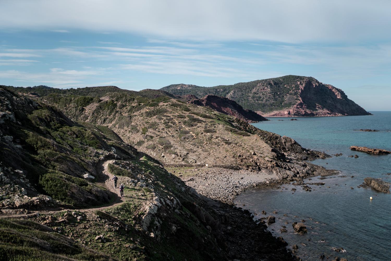 Sortint des Alocs, amb la Muntanya Mala de fons (Foto: Jordi Saragossa).