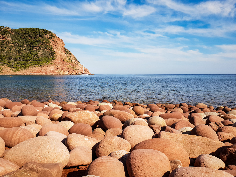 Pla de Mar amb la Muntanya Mala de fons (Foto: Camí de Cavalls 360º).